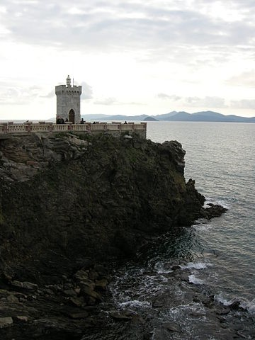 farmhouse to Piombino