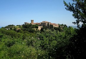 farmhouse populonia