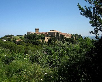farmhouse to Populonia